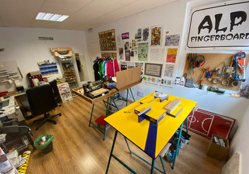 La Oficina De ALP Fingerboard Shop Málaga (1)
